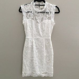 Sans Souci sleeveless lace dress - Size M (EUC)